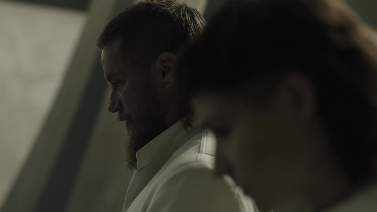 Vychovani vlky 2020 S01E03 CZ titulky HD