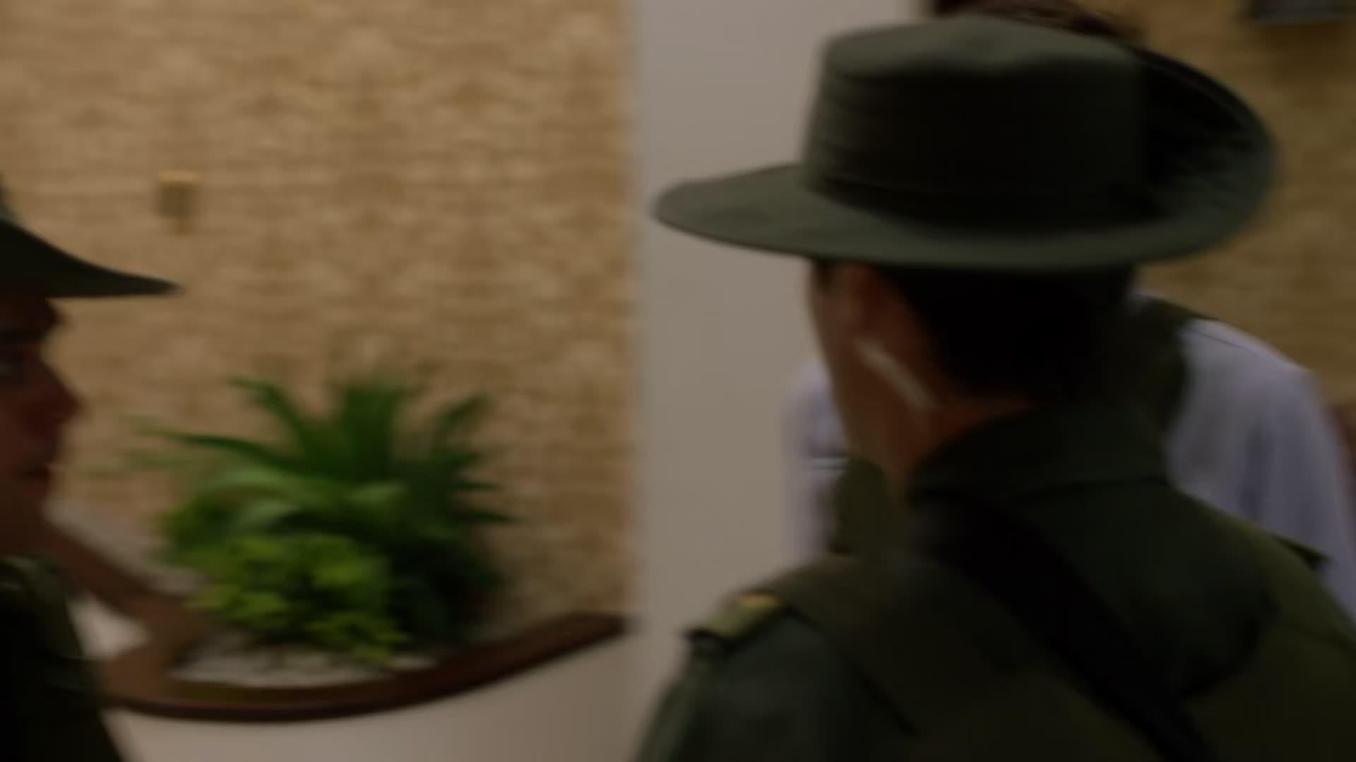 Narcos S03E04  CZ titulky HD