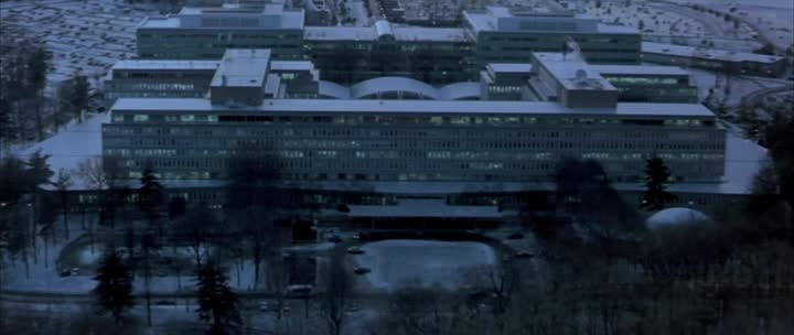 Agent bez minulosti   Bourne Identity   2002 BRrip HD720p CZdabing