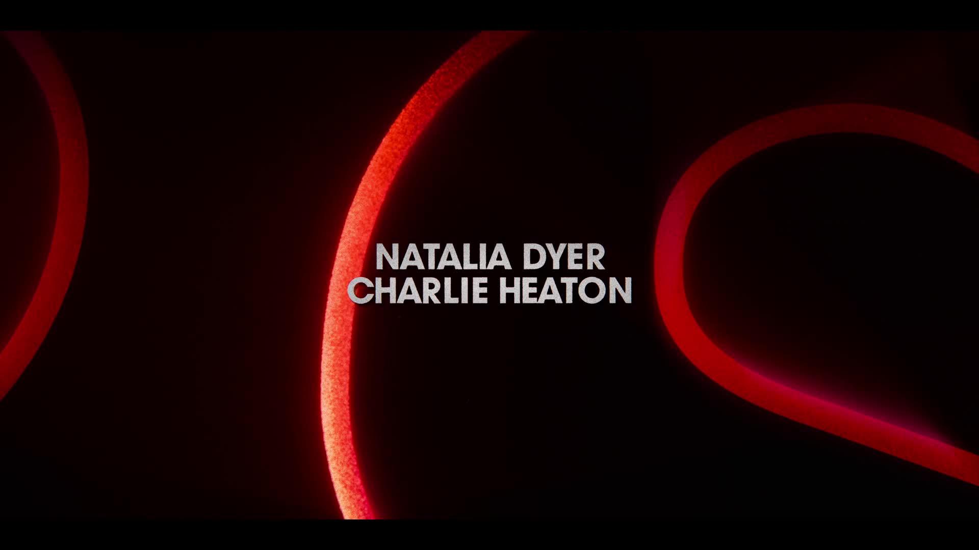 Stranger Things S03E02 1080p CZ dabing