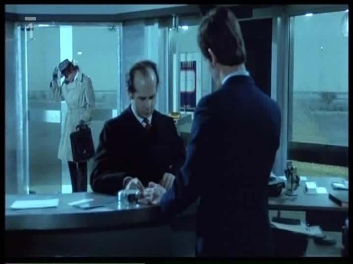 Policajt  1972 A Delon TV CZ