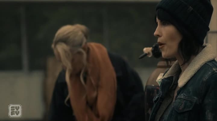 Van Helsing S02E01 CZ titulky