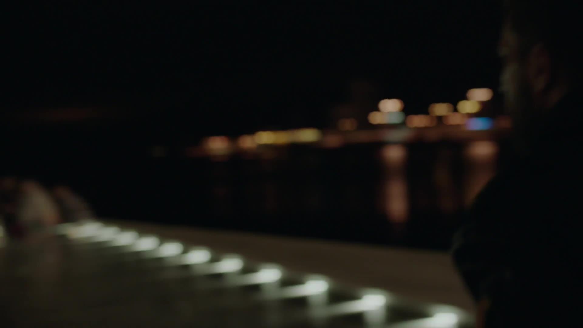Zpritomneli S01E01 CZ dabing HD