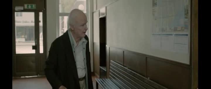 Stolety starik ktery vylezl z okna a zmizel  2013  Cz  komedia