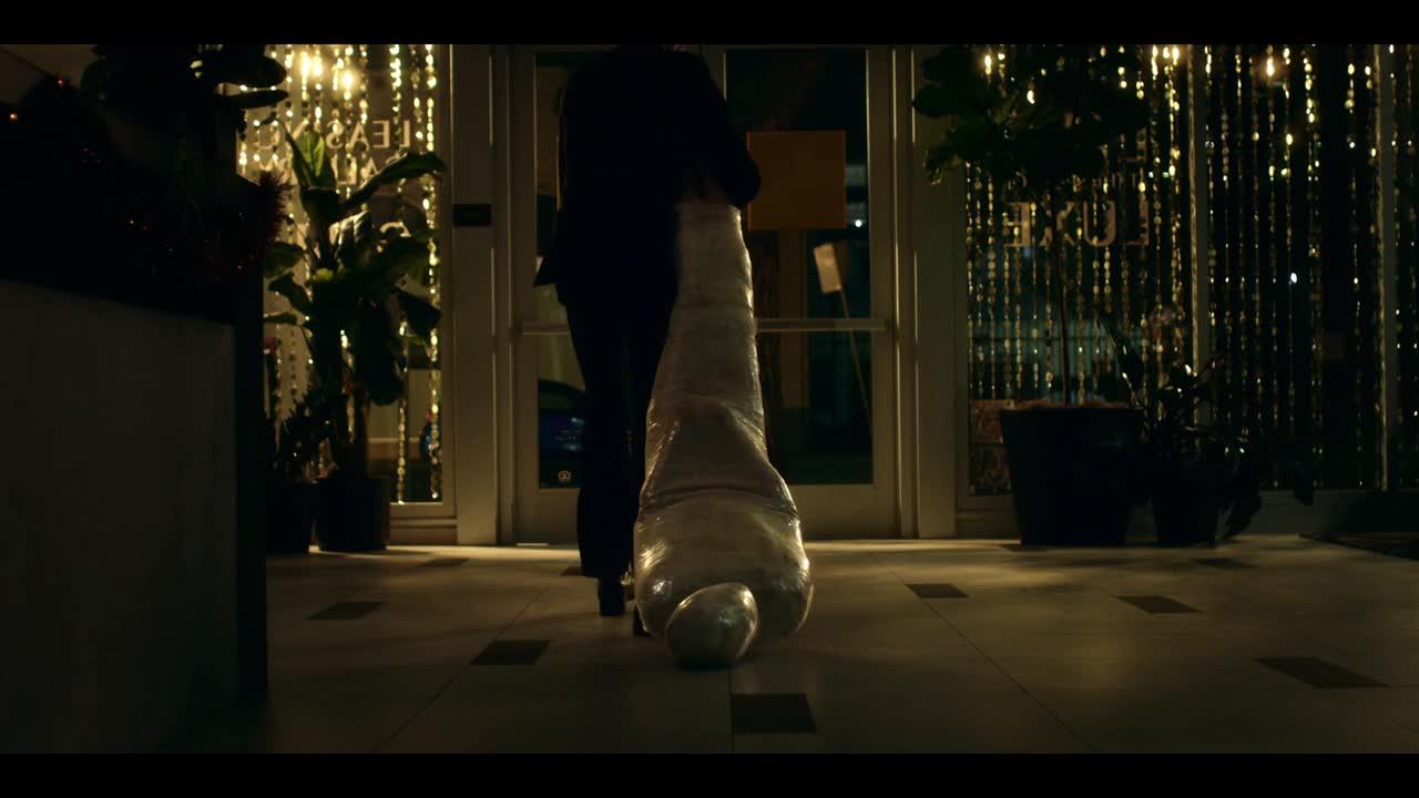 Into the Dark S01E01 CZ titulky 720p