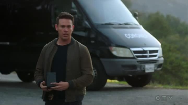 Lucifer S03E24 CZ titulky