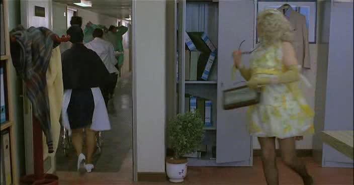 04 Malery pana ucetniho 2   Fantozzi  1983